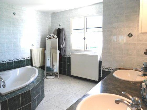 Vente maison 8 pièces 279,25 m2