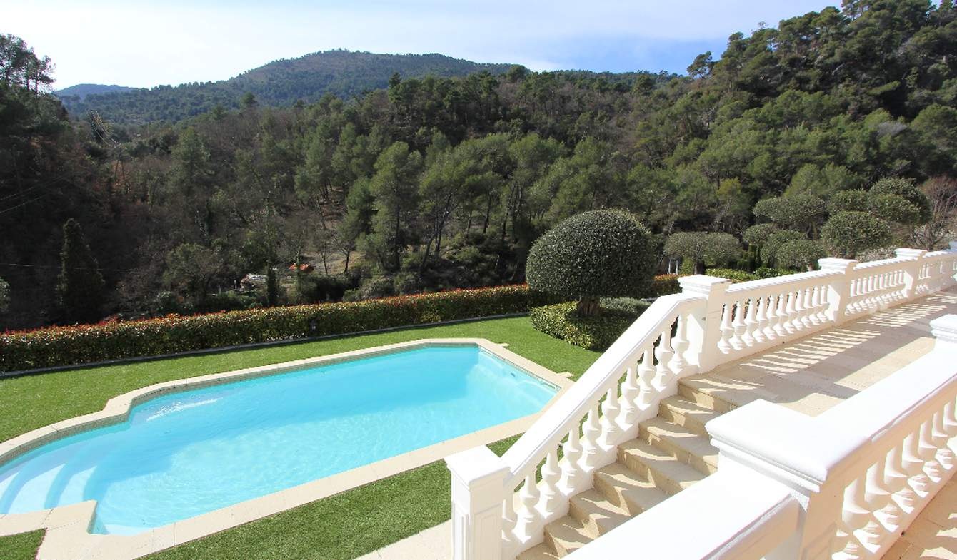 House with pool Tourrette-Levens