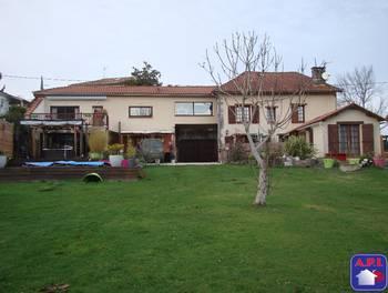 Maison 10 pièces 256 m2