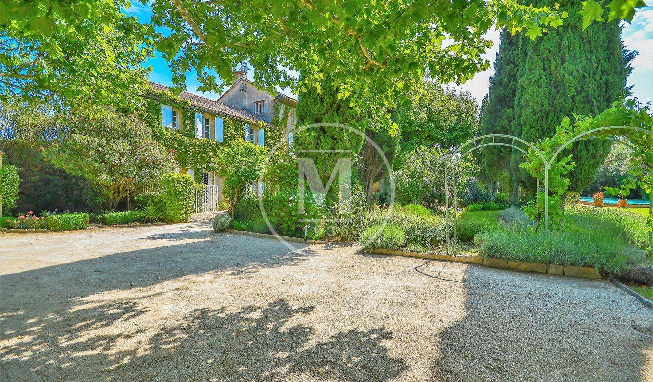 House with pool and terrace Sauveterre