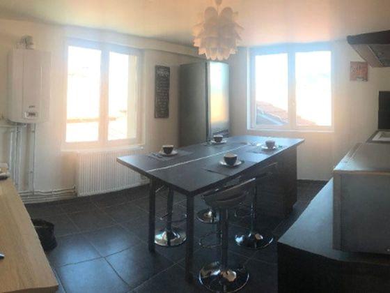 Location appartement meublé 5 pièces 77,2 m2