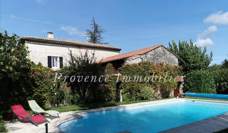 Maison avec piscine et terrasse Espeluche