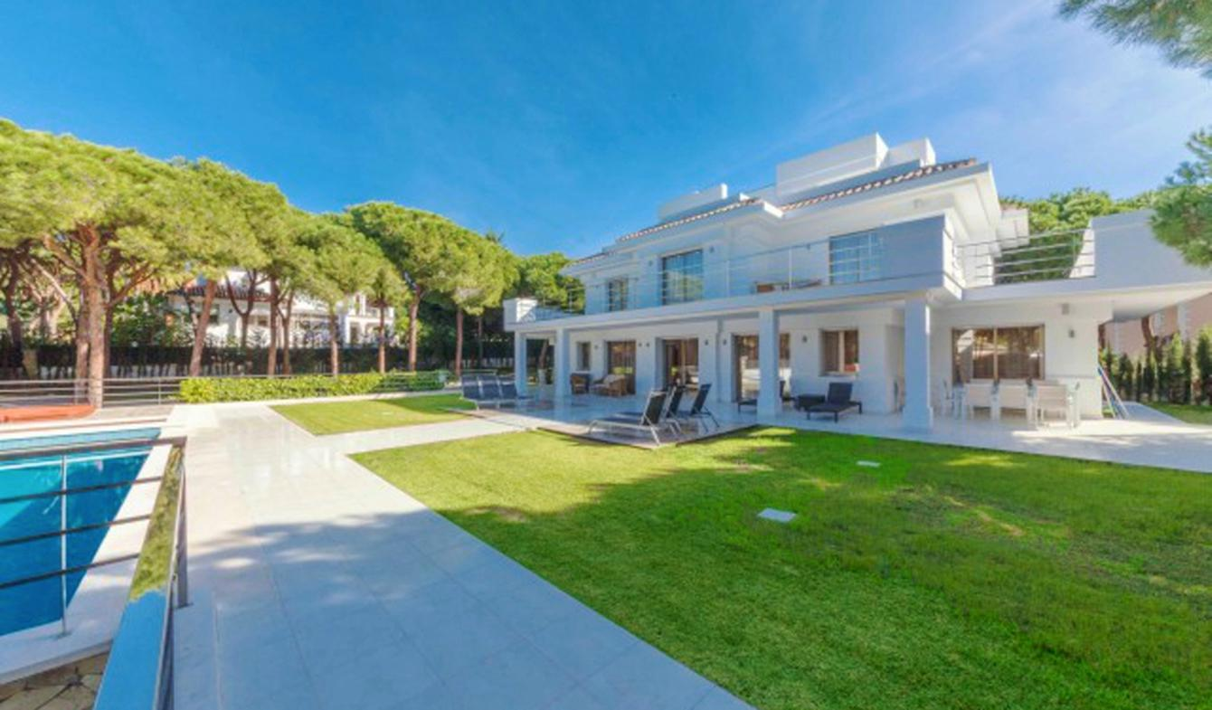 Maison contemporaine avec piscine et jardin Marbella