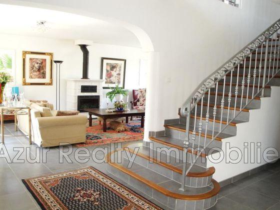 Vente villa 6 pièces 214 m2