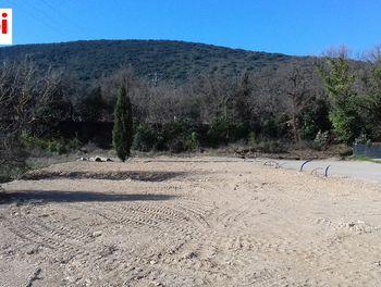 terrain à Saint-Estève-Janson (13)