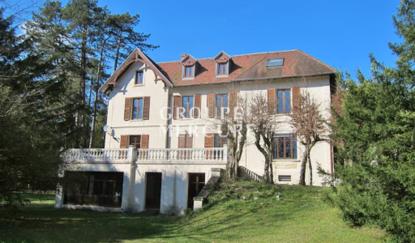 House with terrace Boussieres