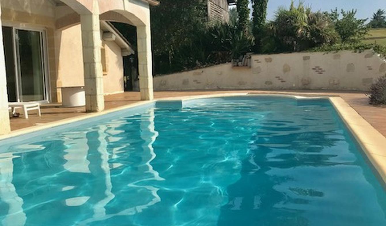 Maison avec piscine et jardin Monsegur