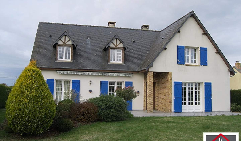 House Pré-en-Pail