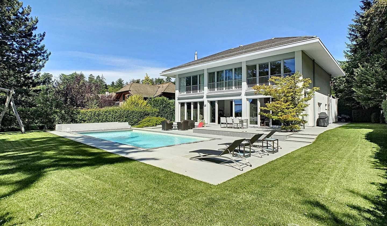 Maison contemporaine avec piscine et jardin Lausanne