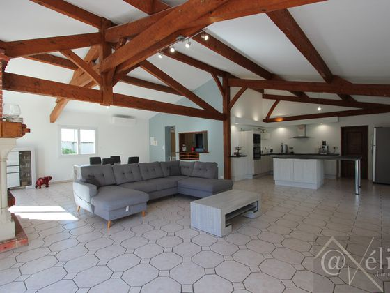 Vente maison 7 pièces 179 m2