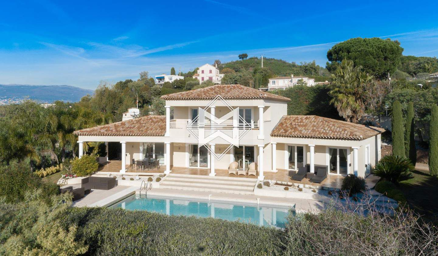 Villa with pool and terrace Cannes