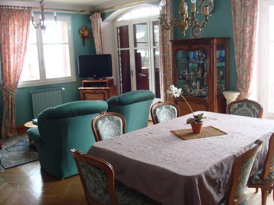 Vente maison 10 pièces 1336 m2