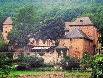 Château 40 pièces 1200 m2
