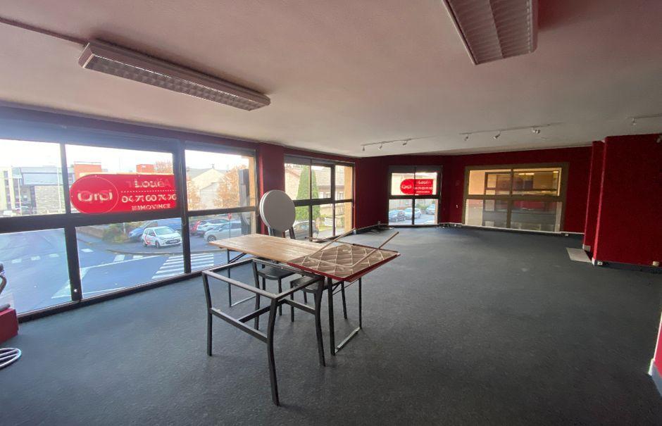 Location  locaux professionnels  90 m² à Saint-Flour (15100), 625 €