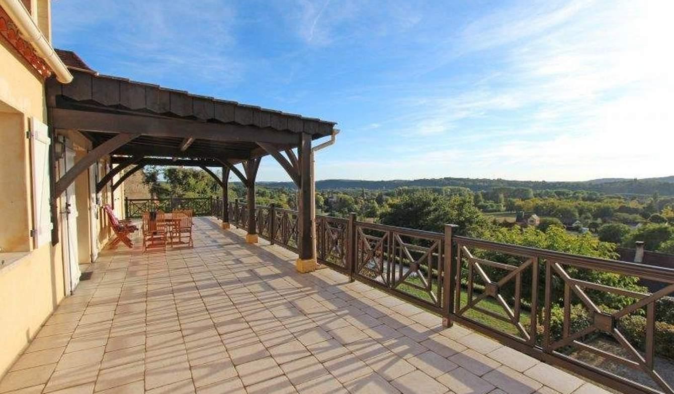 Maison avec piscine et terrasse Trémolat