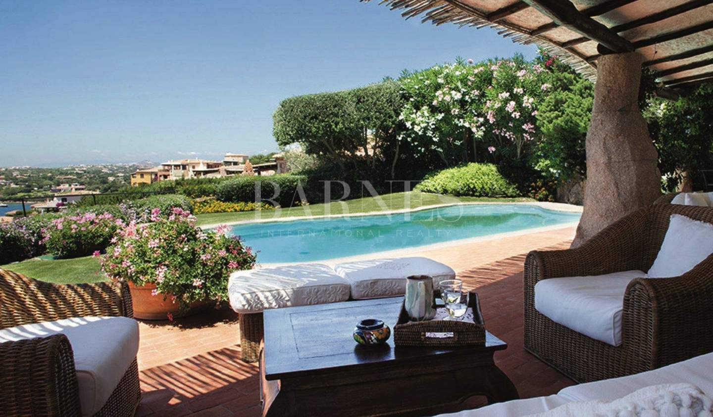 Villa with pool and garden Porto Cervo
