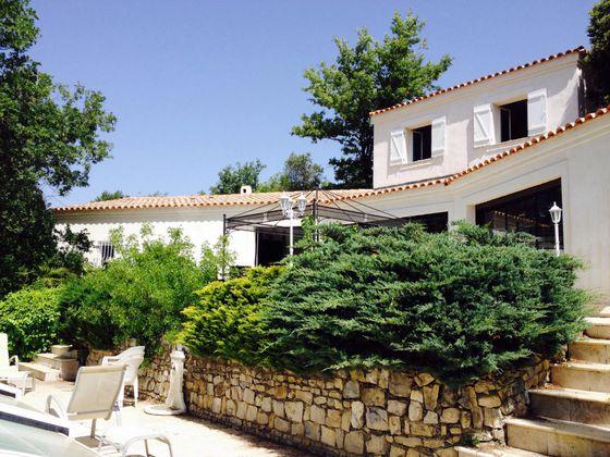 Vente villa 9 pièces 200 m2