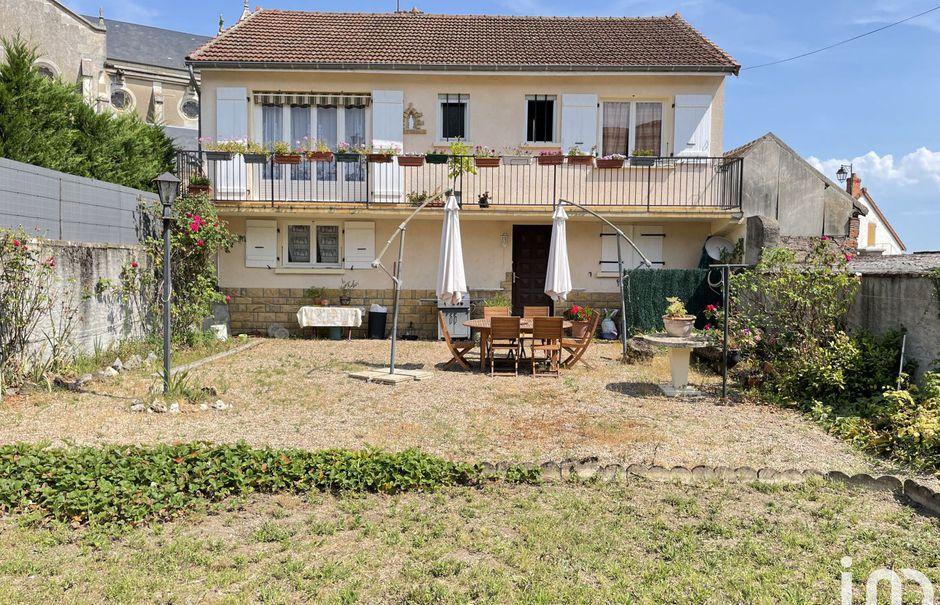 Vente maison 4 pièces 118 m² à Bourbon-Lancy (71140), 119 000 €
