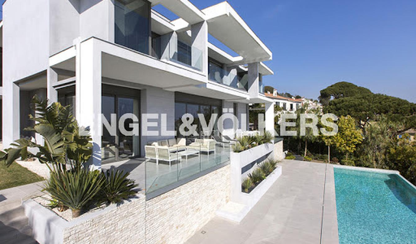 Villa with pool and terrace Vallauris