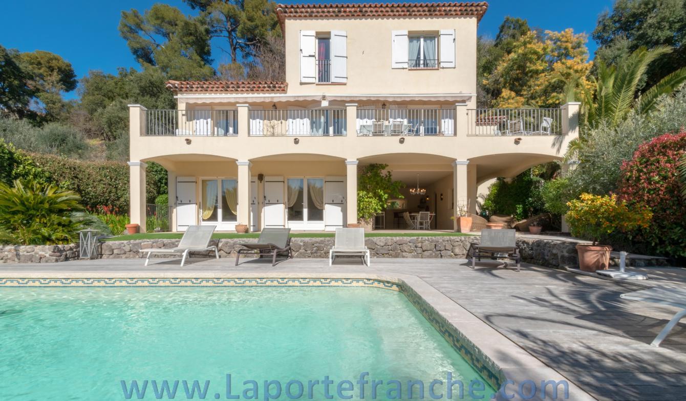 Villa avec piscine et terrasse Biot