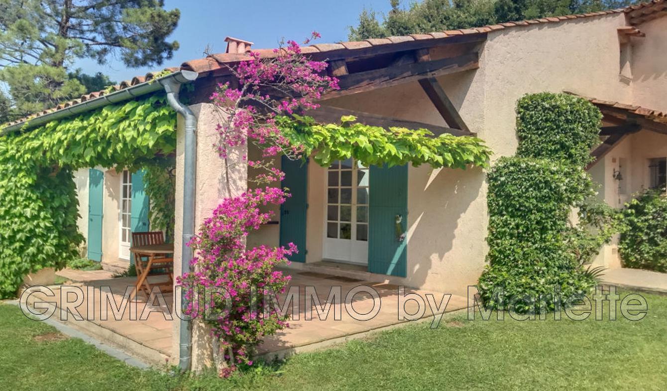 Villa with terrace Grimaud