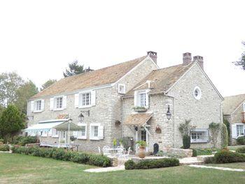 villa à Thoiry (78)