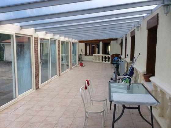 Vente propriété 6 pièces 302 m2
