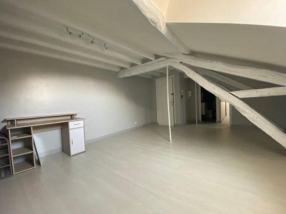Location studio 32,88 m2
