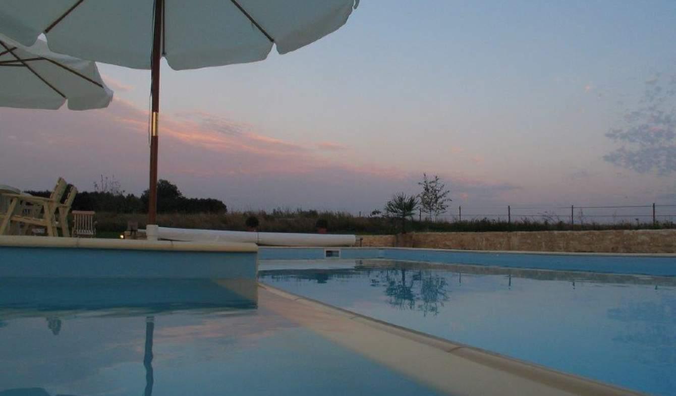 Maison avec piscine et terrasse Saint-Ciers-sur-Bonnieure