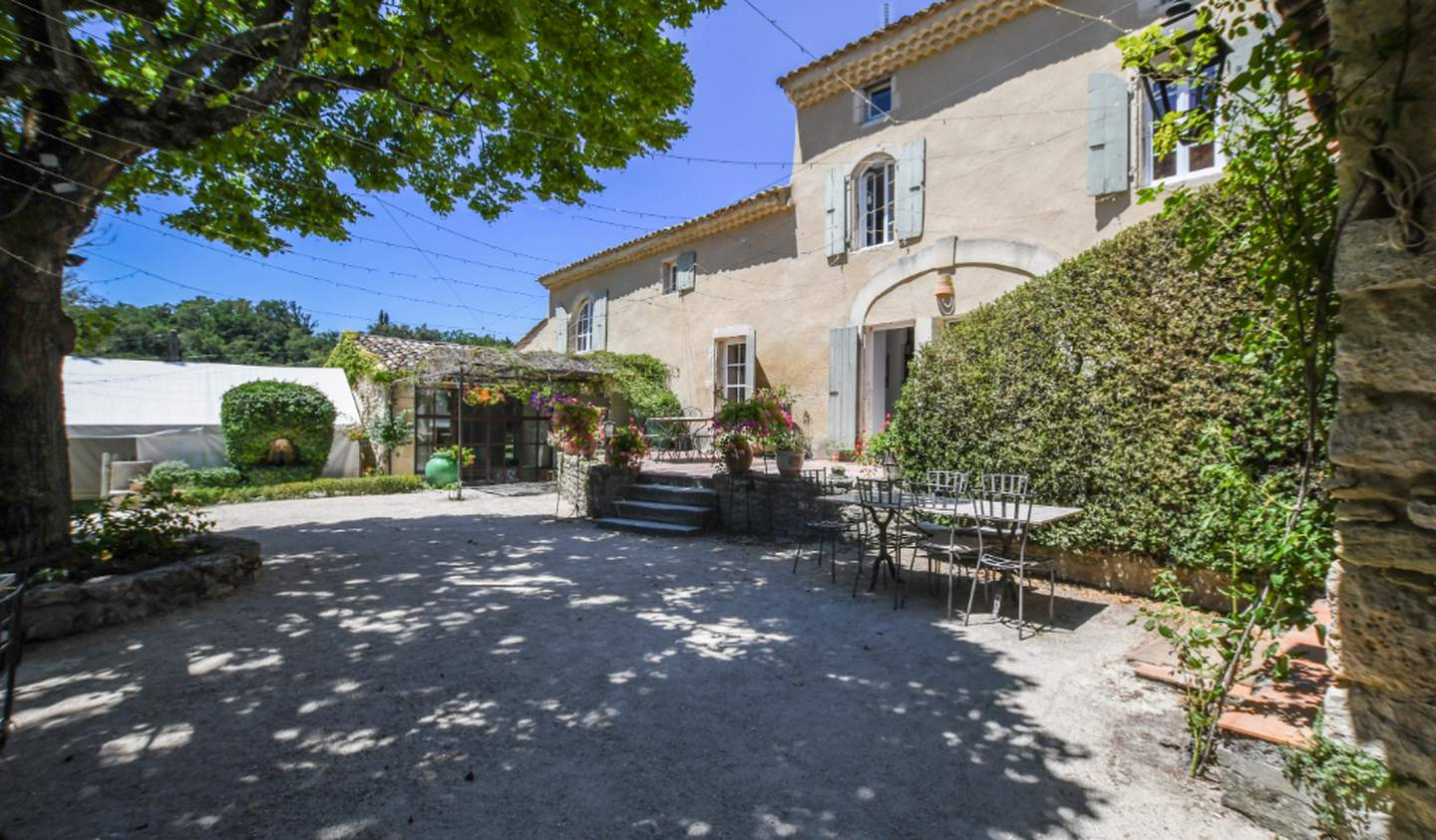 Property with pool Grignan