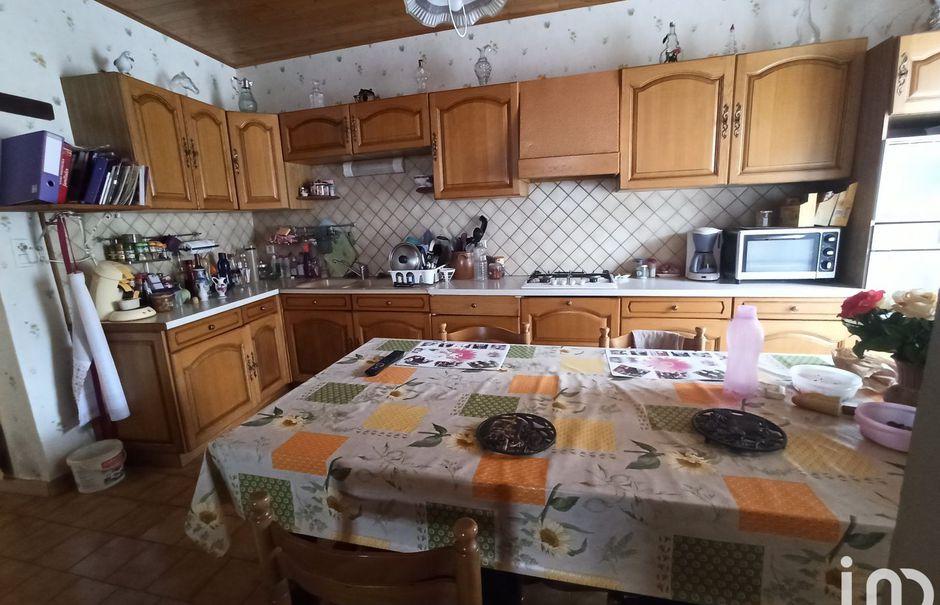 Vente maison 6 pièces 180 m² à Gournay-Loizé (79110), 178 000 €