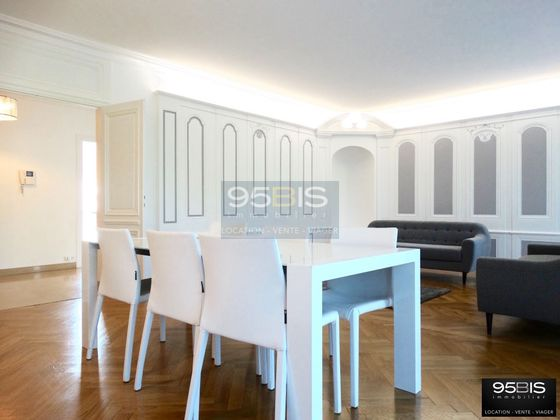 Location appartement meublé 4 pièces 137 m2