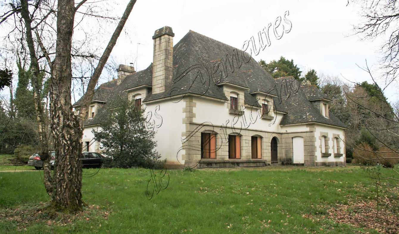 House with terrace Lorient