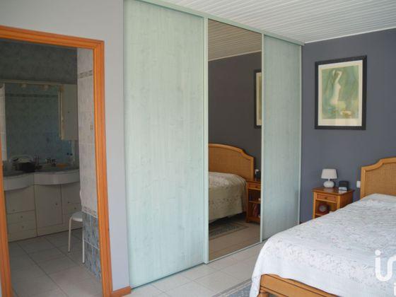 Vente maison 5 pièces 218 m2