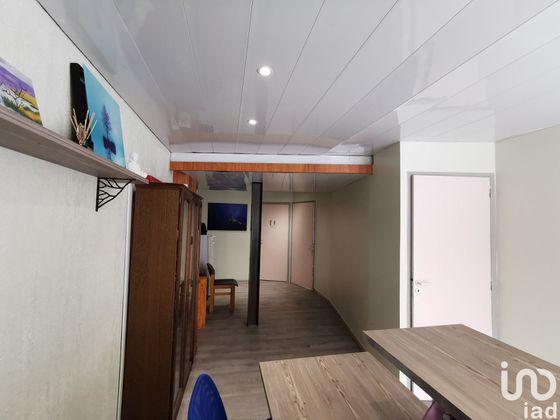 Vente divers 61 m2