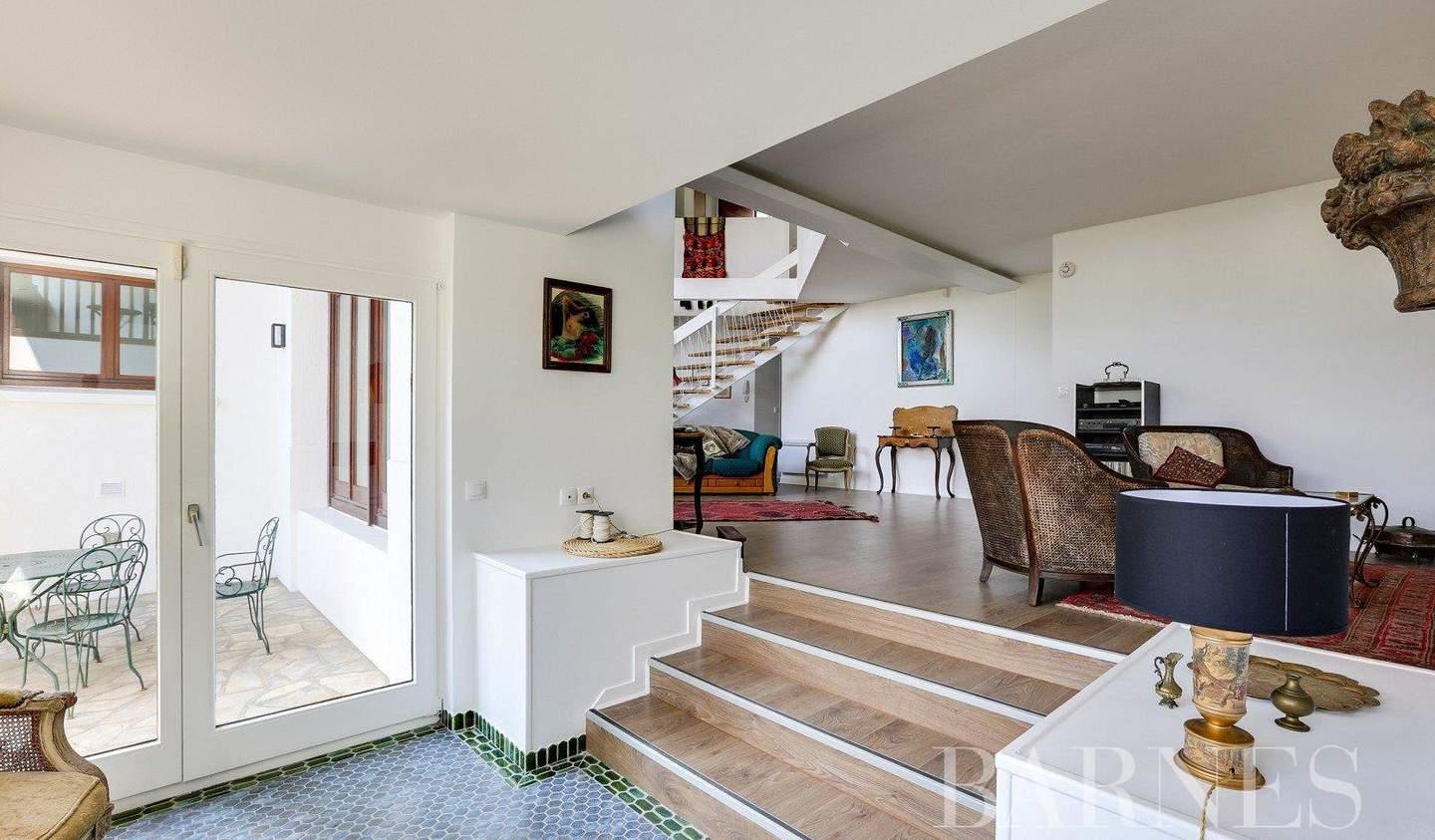 Loft with terrace Sevres