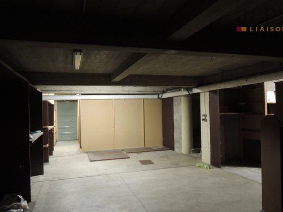 Vente divers 13 pièces 1000 m2