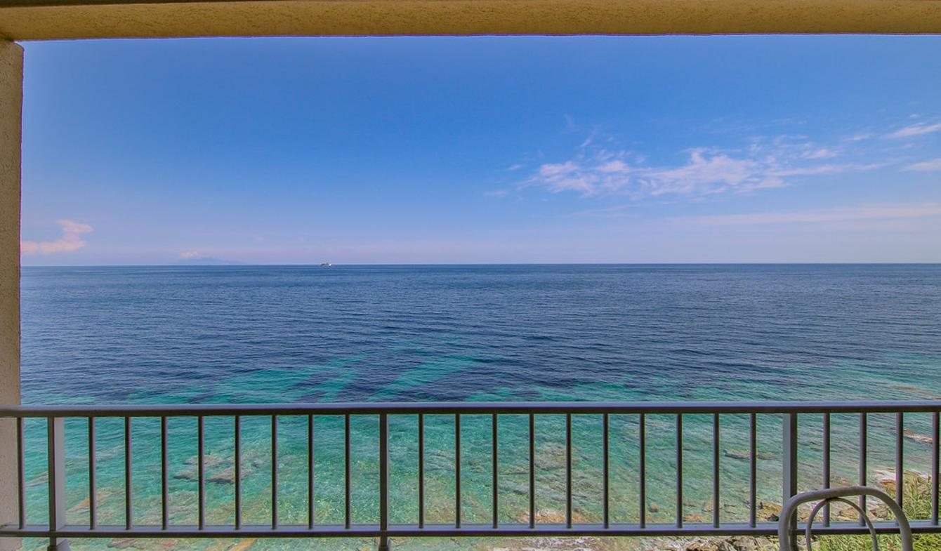Appartement avec terrasse San-Martino-di-Lota