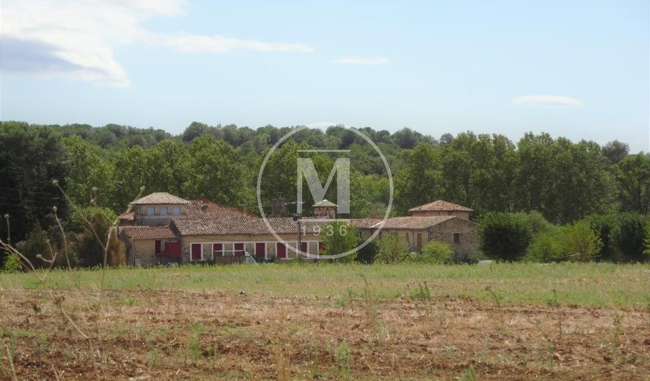 Property with pool Sommieres