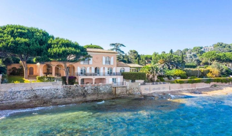 Seaside villa and garden Grimaud