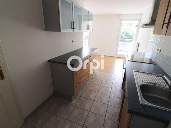 Location appartement 3 pièces 69,72 m2
