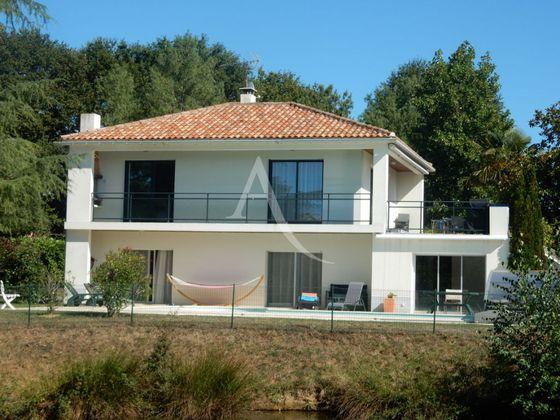 Vente maison 6 pièces 172,5 m2