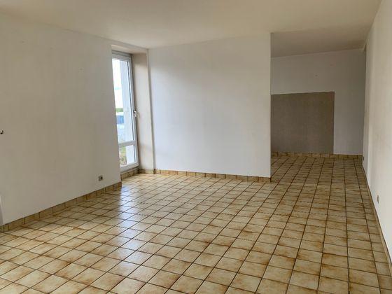 Location appartement 2 pièces 59,81 m2