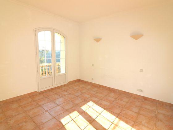 Vente maison 4 pièces 240 m2