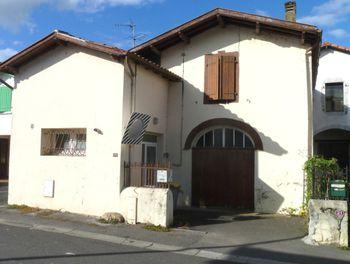 maison à Lahontan (64)
