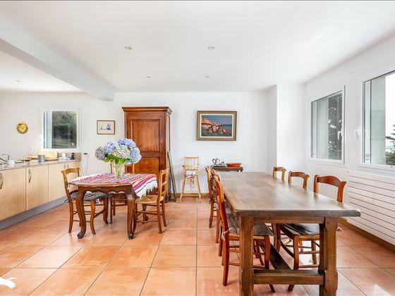 Vente maison 10 pièces 183 m2