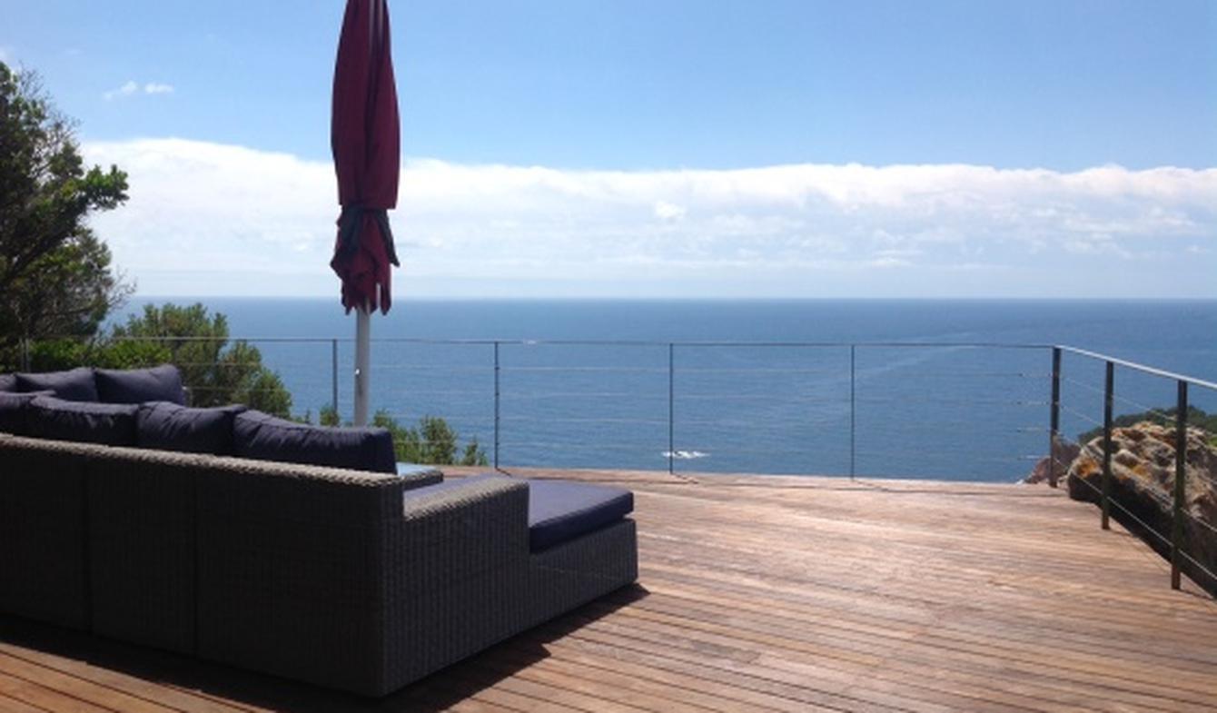 Seaside villa with pool Catalonia
