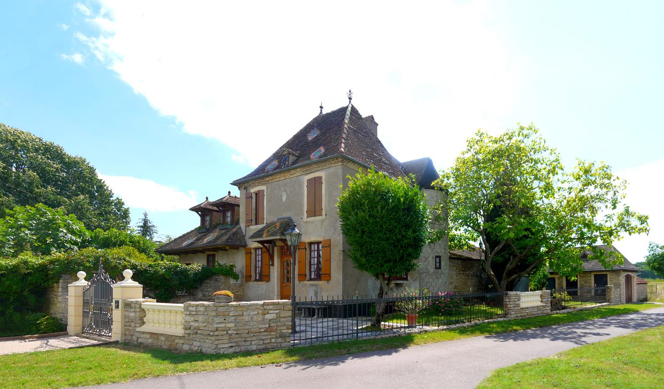 House with garden and terrace Beaune