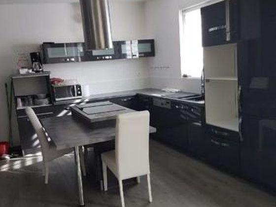 Location maison 8 pièces 150 m2