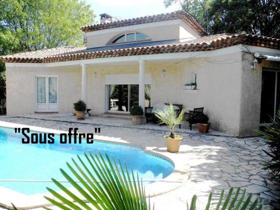 vente Villa 4 pièces 136 m2 Aubagne